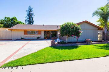 1920 Euclid Avenue, Camarillo, CA 93010 (#219000539) :: Desti & Michele of RE/MAX Gold Coast