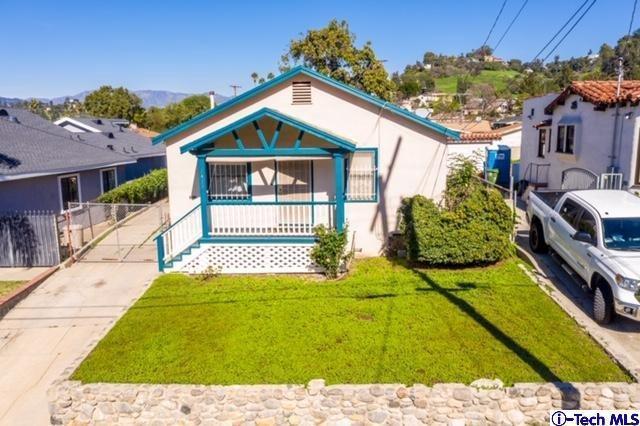 2415 W Avenue 32, Los Angeles (City), CA 90065 (#319000516) :: Lydia Gable Realty Group