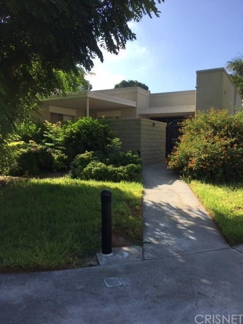 2350 Via Mariposa W B, Laguna Woods, CA 92637 (#SR19027840) :: Lydia Gable Realty Group