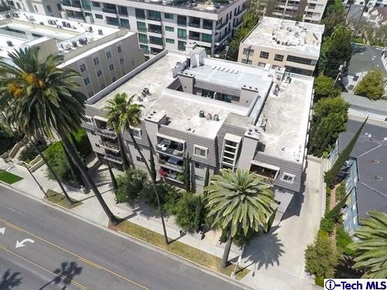 439 N Doheny Drive #202, Beverly Hills, CA 90210 (#319000826) :: Golden Palm Properties
