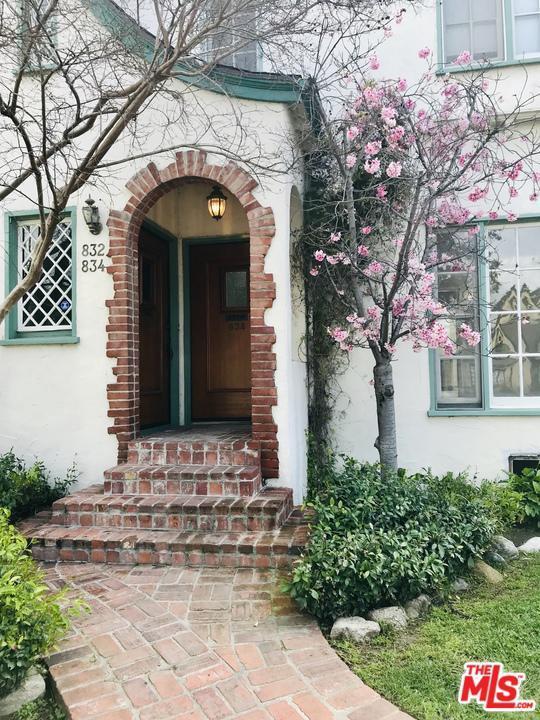 834 S Stanley Avenue, Los Angeles (City), CA 90036 (#19446612) :: The Agency