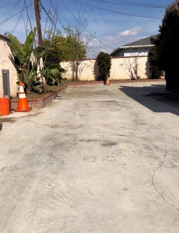 622 S Keene Avenue, Compton, CA 90220 (#SR19078921) :: Paris and Connor MacIvor