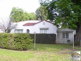 6922 Geyser Avenue, Reseda, CA 91335 (#SR19081127) :: Paris and Connor MacIvor