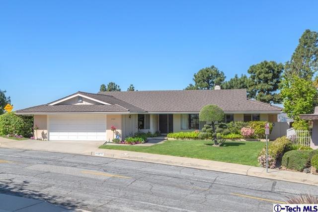 1121 Sweetbriar, Glendale, CA 91206 (#319001479) :: Golden Palm Properties