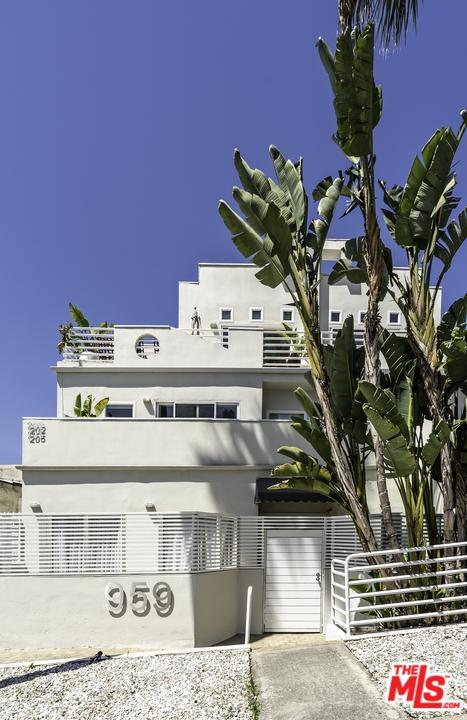 959 N Doheny Drive #202, West Hollywood, CA 90069 (#19457998) :: Golden Palm Properties