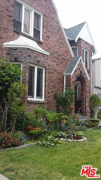 1053 S Mansfield Avenue, Los Angeles (City), CA 90019 (#19468766) :: Paris and Connor MacIvor