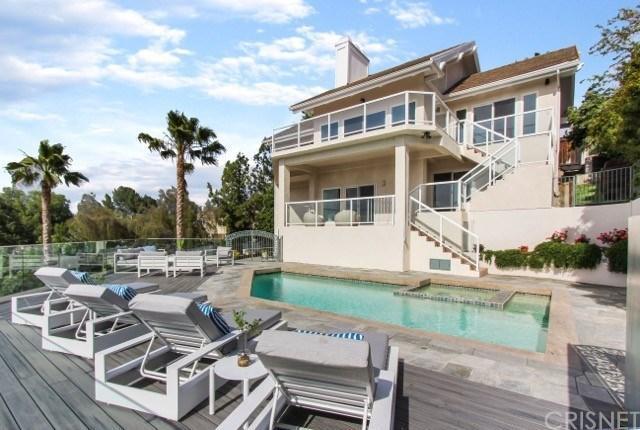 4955 Casa Drive, Tarzana, CA 91356 (#SR19120549) :: Paris and Connor MacIvor