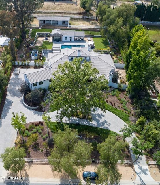 5207 Round Meadow Road, Hidden Hills, CA 91302 (#219006385) :: Paris and Connor MacIvor
