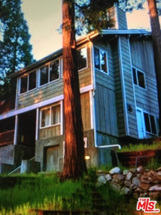 308 Grass Valley Road, Lake Arrowhead, CA 92352 (MLS #19477330) :: The Sandi Phillips Team