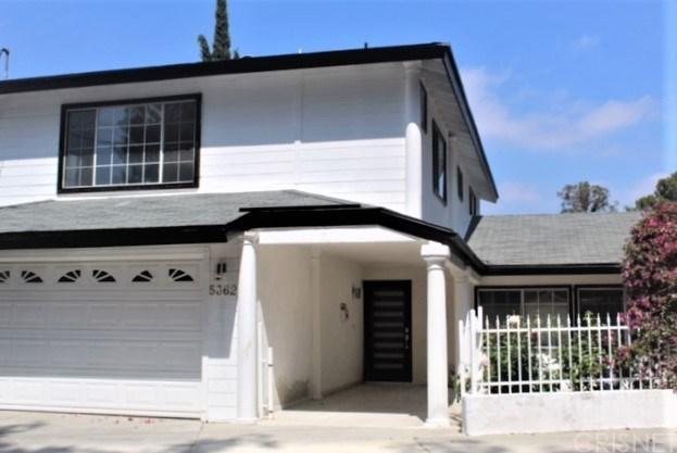 5362 Tendilla Avenue, Woodland Hills, CA 91364 (#SR19141369) :: The Fineman Suarez Team