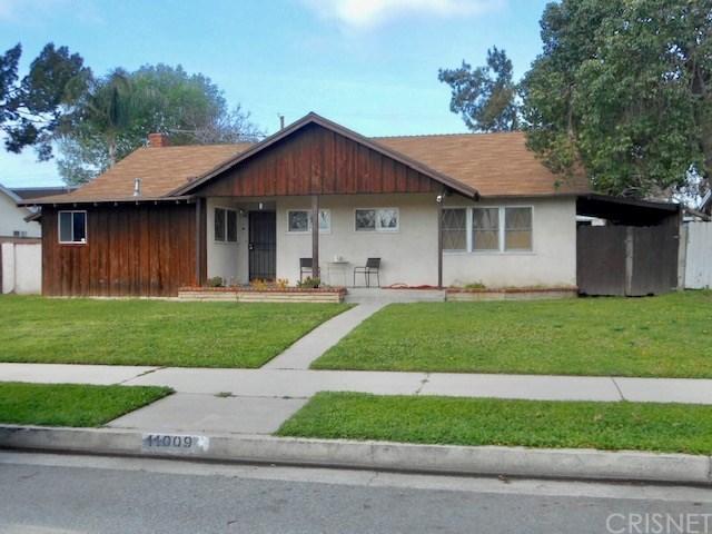 11009 Haskell Avenue, Granada Hills, CA 91344 (#SR19144809) :: Golden Palm Properties