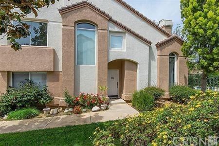 302 Hedge Row Lane C, Simi Valley, CA 93065 (#SR19157898) :: The Agency