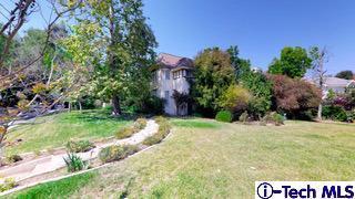 4400 Woodleigh Lane, La Canada Flintridge, CA 91011 (#319002656) :: Paris and Connor MacIvor