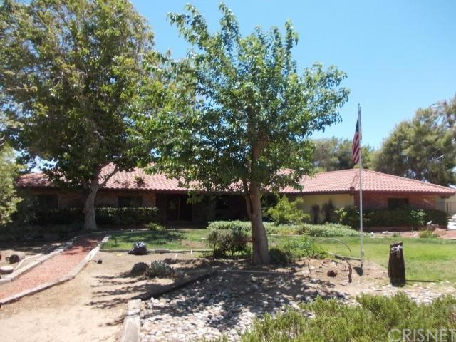40920 27TH Street W, Palmdale, CA 93551 (#SR19167967) :: The Agency