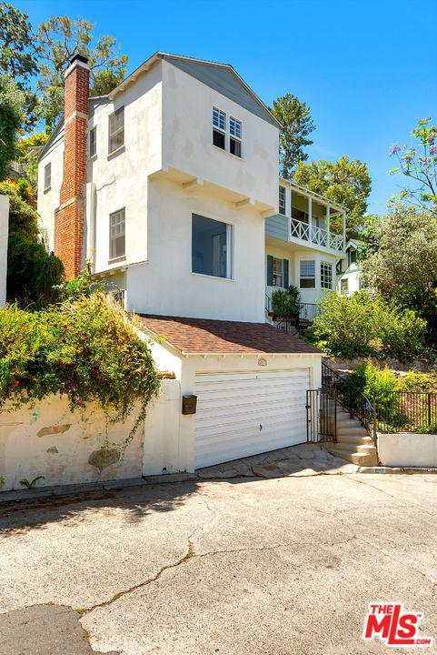 6217 Scenic Avenue, Los Angeles (City), CA 90068 (#19489658) :: Lydia Gable Realty Group