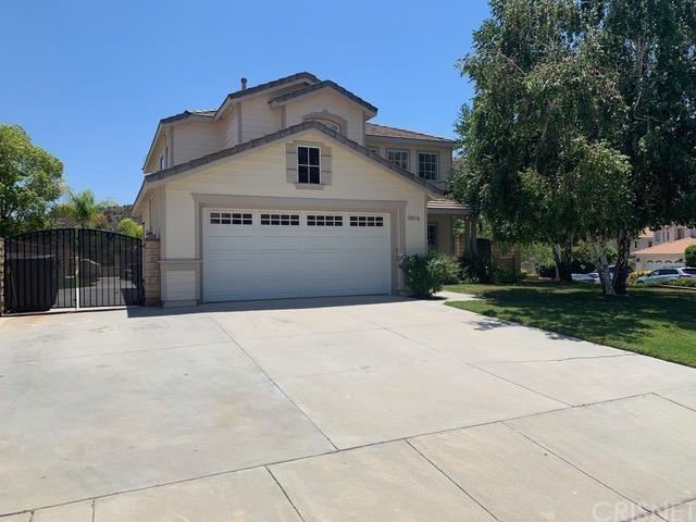 28016 Rainier Road, Castaic, CA 91384 (#SR19143310) :: The Fineman Suarez Team
