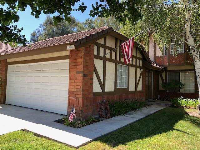 19866 Collins Road, Canyon Country, CA 91351 (#819003541) :: Lydia Gable Realty Group