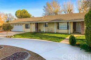 5020 E Avenue K4, Lancaster, CA 93535 (#SR19276754) :: The Parsons Team