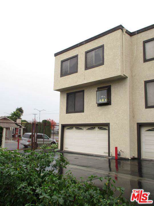 876 W Alondra Boulevard, Compton, CA 90220 (MLS #19535382) :: Hacienda Agency Inc