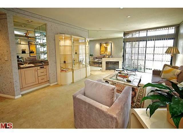 200 N Swall Drive #562, Beverly Hills, CA 90211 (#12591819) :: DSCVR Properties - Keller Williams
