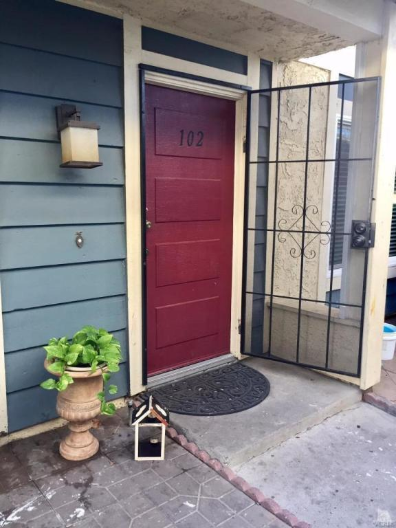 532 Spring Road #102, Moorpark, CA 93021 (#216015142) :: Lydia Gable Realty Group