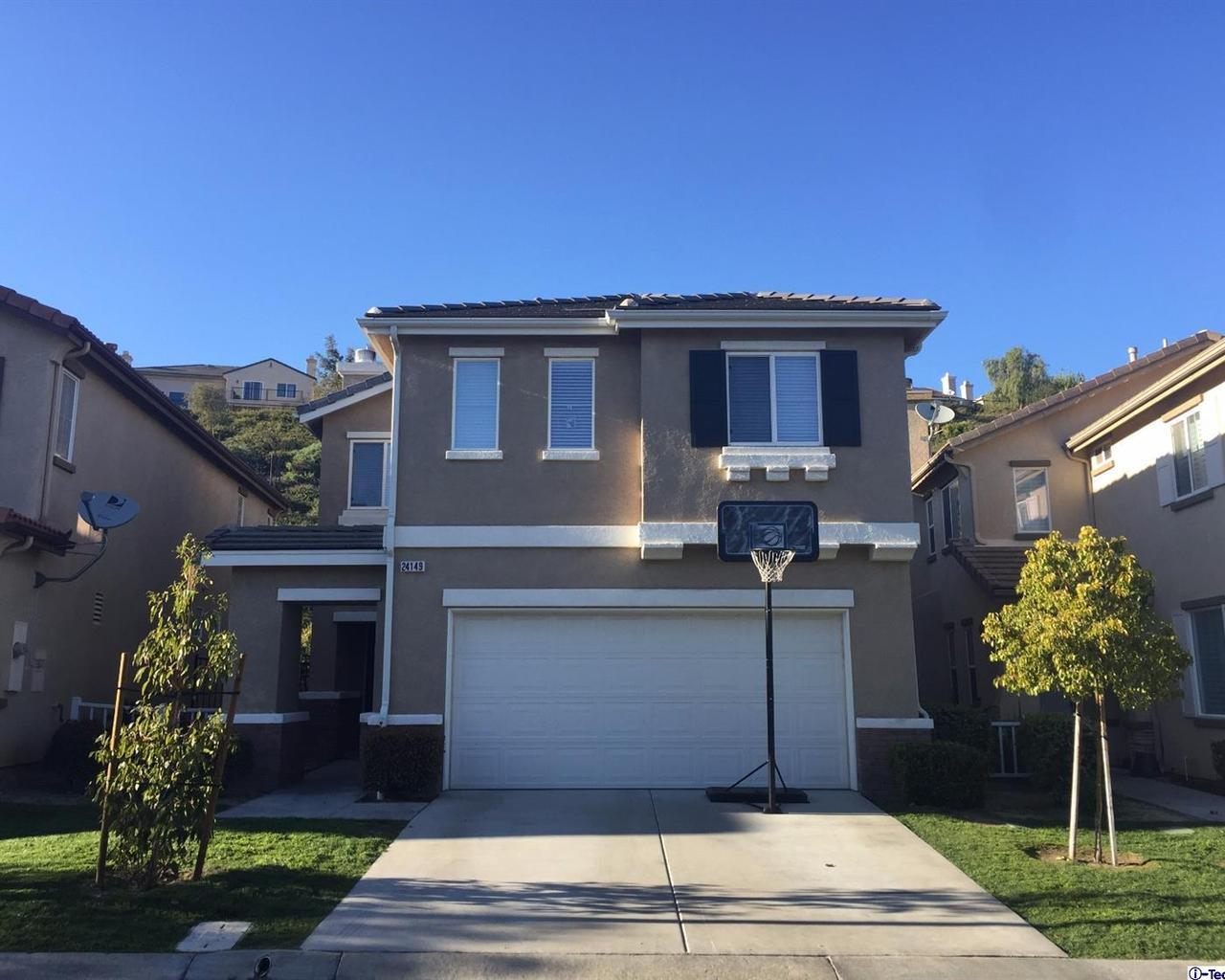 24149 Tango Drive, Valencia, CA 91354 (#317003092) :: Paris and Connor MacIvor