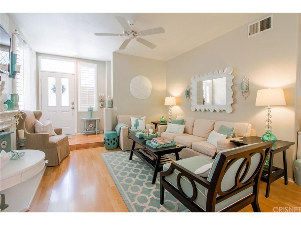 27140 Manor Circle, Valencia, CA 91354 (#SR17210543) :: Paris and Connor MacIvor