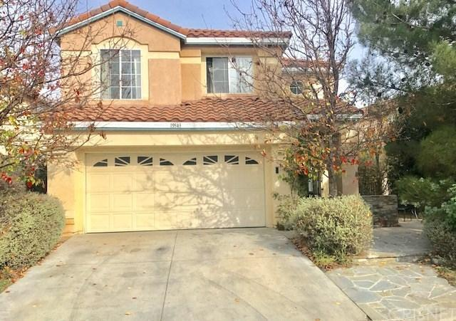 19343 Santa Maria Drive, Newhall, CA 91321 (#SR17279178) :: Paris and Connor MacIvor