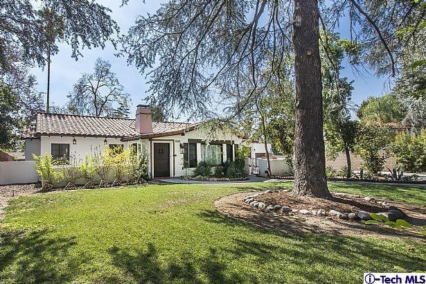 1040 E Woodbury Road, Pasadena, CA 91104 (#318000658) :: Lydia Gable Realty Group