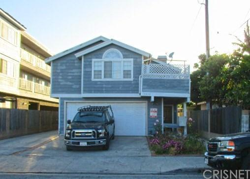 13933 Kornblum Avenue B, Hawthorne, CA 90250 (#SR18139677) :: Fred Howard Real Estate Team