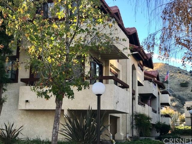 18186 Sundowner Way #1037, Canyon Country, CA 91387 (#SR18287941) :: The Real Estate Offices of Talbot and Watson