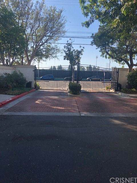 10410 Zelzah Avenue C, Northridge, CA 91326 (#SR19261604) :: Randy Plaice and Associates