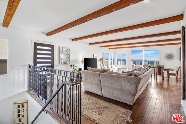 11770 Pacific Coast Hwy V, Malibu, CA 90265 (MLS #19-534714) :: Mark Wise | Bennion Deville Homes