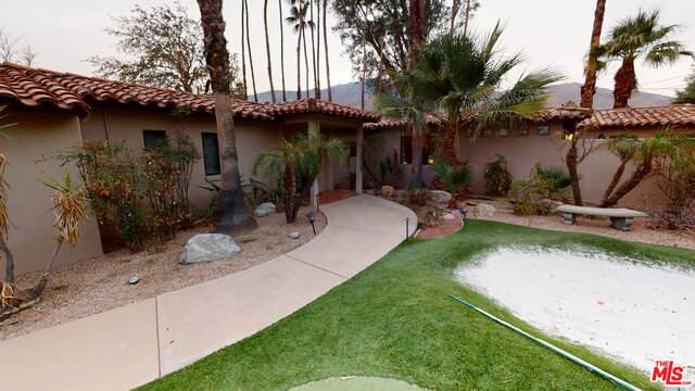2905 N Puerta Del Sol, Palm Springs, CA 92262 (#19-536040) :: The Pratt Group