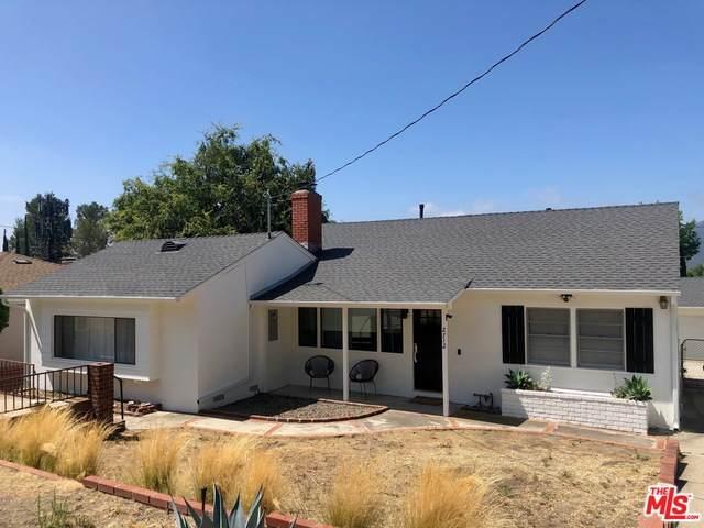 2712 Henrietta Ave, La Crescenta, CA 91214 (#20-589006) :: Randy Plaice and Associates
