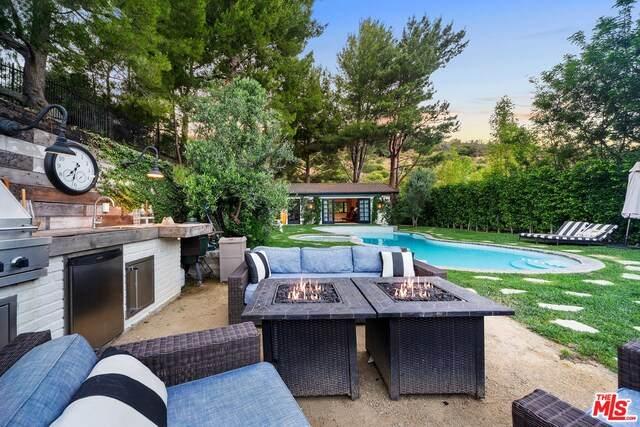 11949 Ashdale Ln, Studio City, CA 91604 (#20-594920) :: Berkshire Hathaway HomeServices California Properties