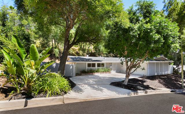 20519 Hatteras St, Woodland Hills, CA 91367 (#20-599400) :: Berkshire Hathaway HomeServices California Properties