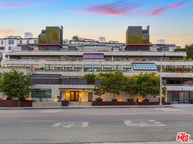 17351 W Sunset Blvd 2D, Pacific Palisades, CA 90272 (#20-609828) :: TruLine Realty