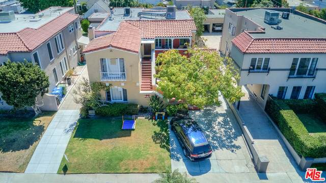 844 Curson Ave - Photo 1
