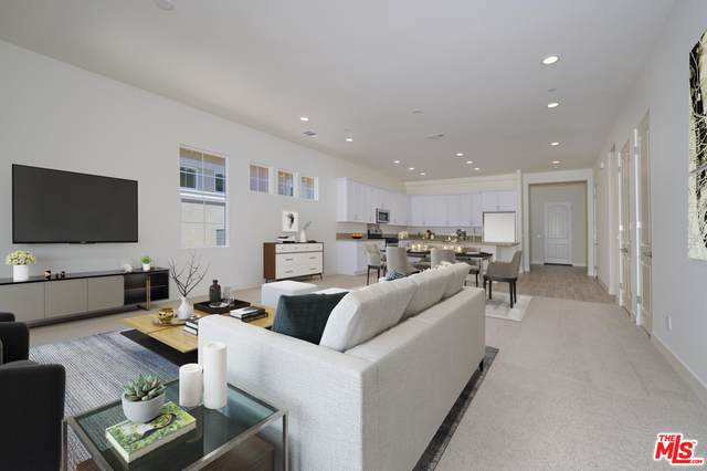 4153 Via Carrara, Palm Desert, CA 92260 (#20-618100) :: HomeBased Realty