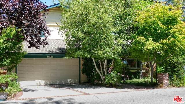 27566 W Shore Rd, Lake Arrowhead, CA 92352 (#20-626112) :: Compass