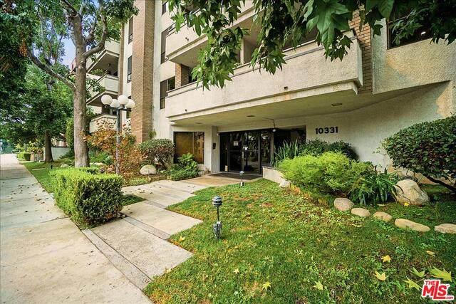 10331 Riverside Dr #302, Toluca Lake, CA 91602 (#20-632554) :: HomeBased Realty