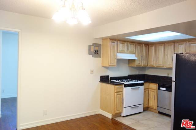 4554 Russell Ave - Photo 1