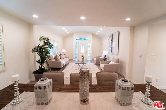 1322 Meadowbrook Ave, Los Angeles, CA 90019 (#20-635806) :: Lydia Gable Realty Group