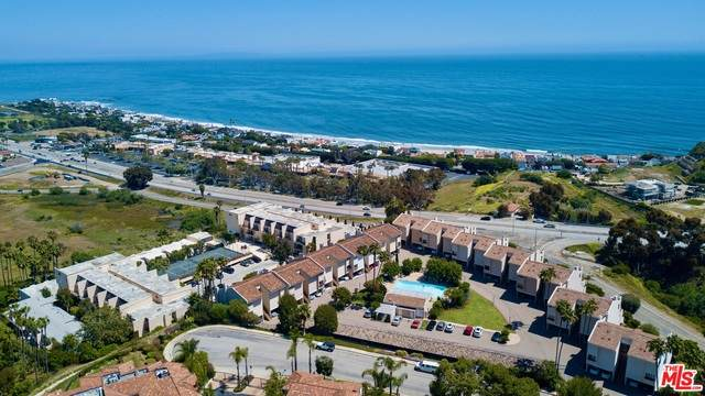 23910 De Ville Way B, Malibu, CA 90265 (#20-640100) :: The Suarez Team