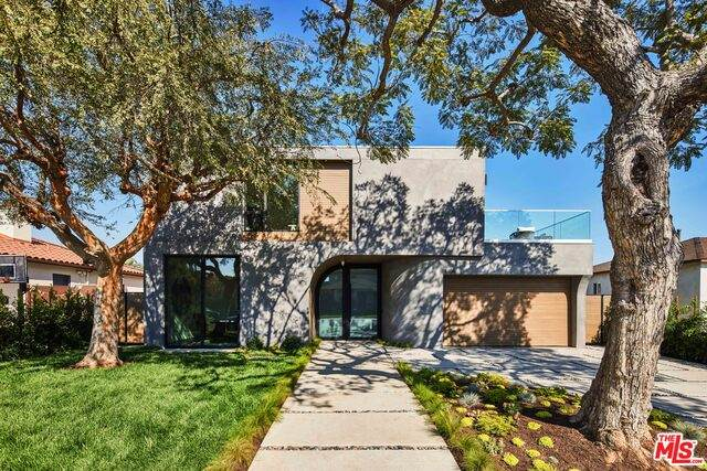 3406 Mountain View Ave, Los Angeles, CA 90066 (#20-649060) :: The Parsons Team