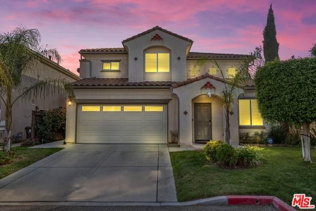 15662 Kingsbury Ct #13, Granada Hills, CA 91344 (#20-649368) :: Arzuman Brothers