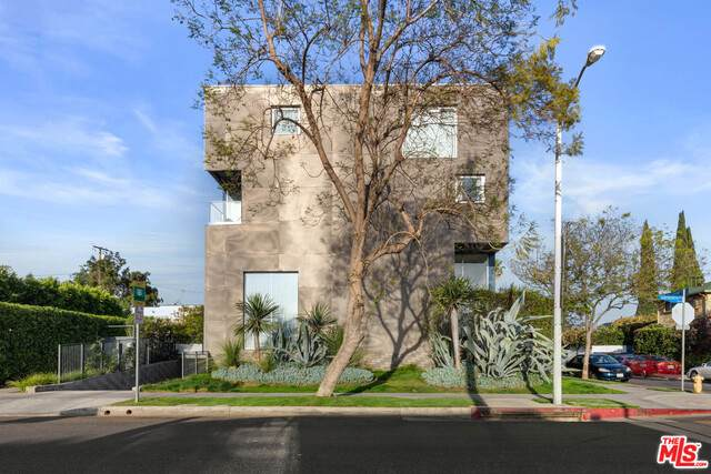 7917 Willoughby Ave #1, West Hollywood, CA 90046 (#20-651800) :: Arzuman Brothers