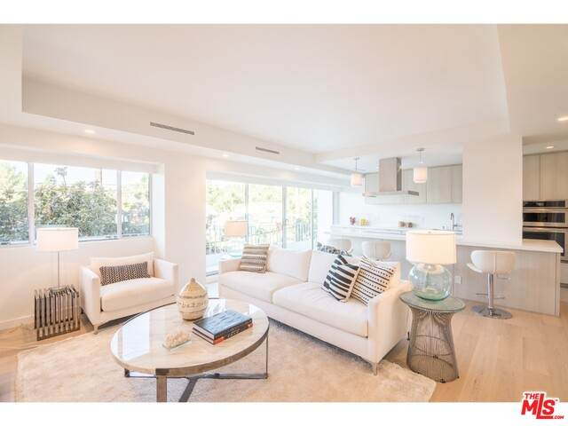 838 N Doheny Dr #302, West Hollywood, CA 90069 (#20-652844) :: Compass