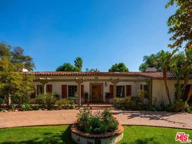 5700 Rhodes Ave, Valley Village, CA 91607 (#21-676456) :: Eman Saridin with RE/MAX of Santa Clarita